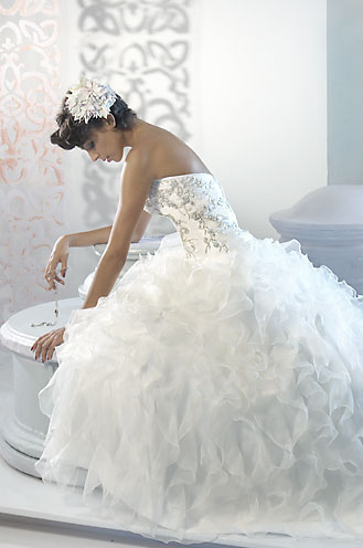 Alfred Sung Bridal wedding Gowns