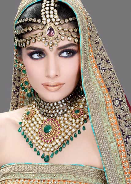 Ather Shahzad Bridal Makeup with heavy jewellery (12)