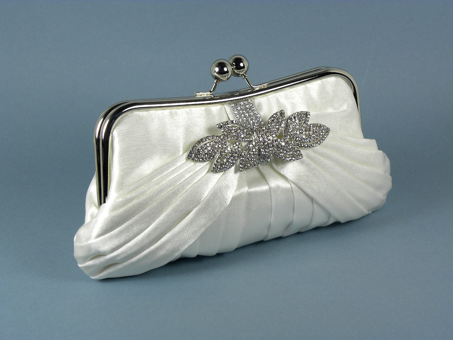 Bridal Clutches Ivory brooch