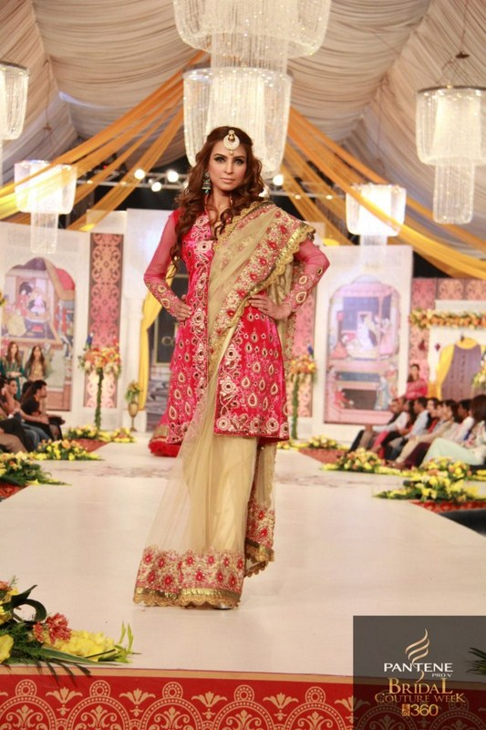 Charu Parashar Bridal fashion Dress4