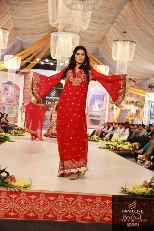 Charu Parashar Bridal fashion Dress6
