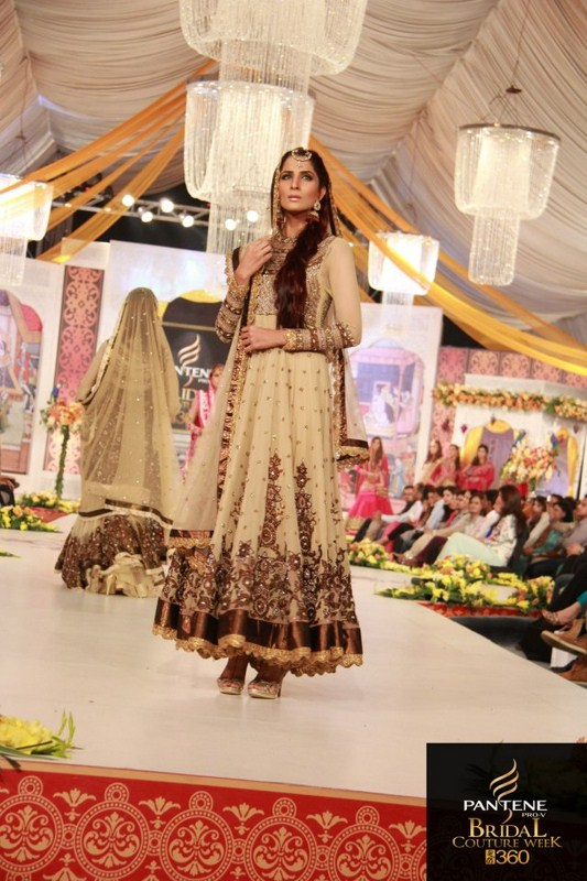 Charu Parashar Bridal fashion Dress7
