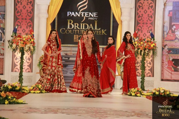 Charu Parashar Bridal fashion Dress8
