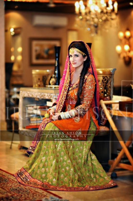 Designer Mehndi Dress 2013 (7)