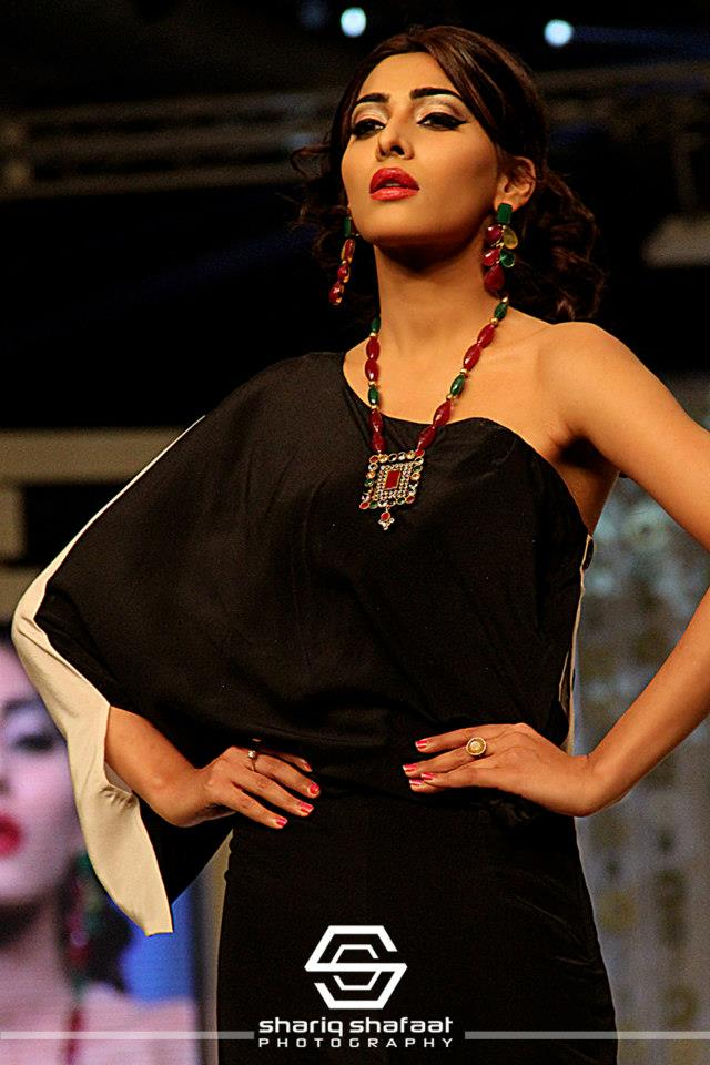 Maliha's Jewellery Collection at Bridal Couture Week 2013 (6)