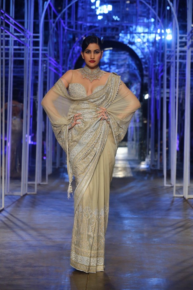 Aamby Valley India Bridal Week 2013  8