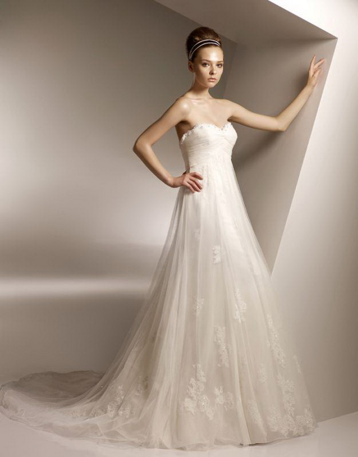 Anjolique Bridal Gowns picture