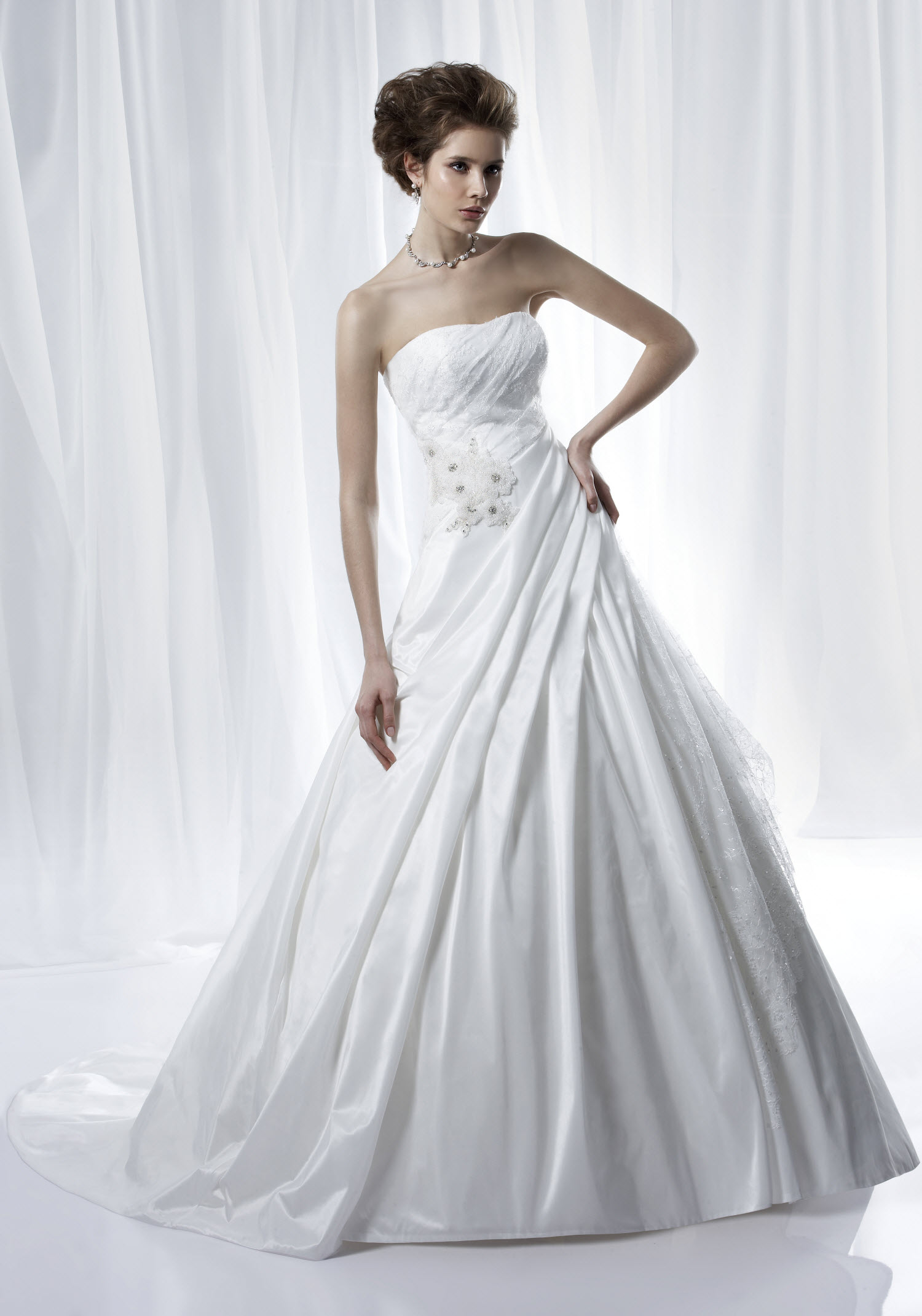 Anjolique a lion Bridal Gowns