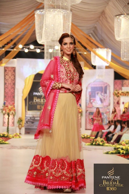 Charu Parashar Bridal fashion Dress0
