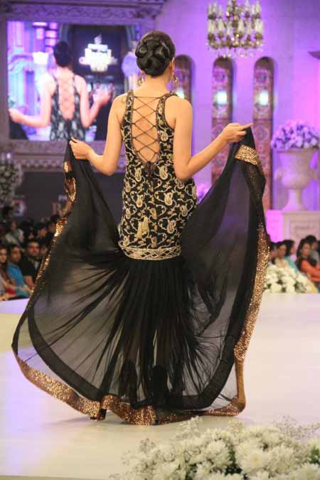 Charu Parashar Bridal fashion Dress1