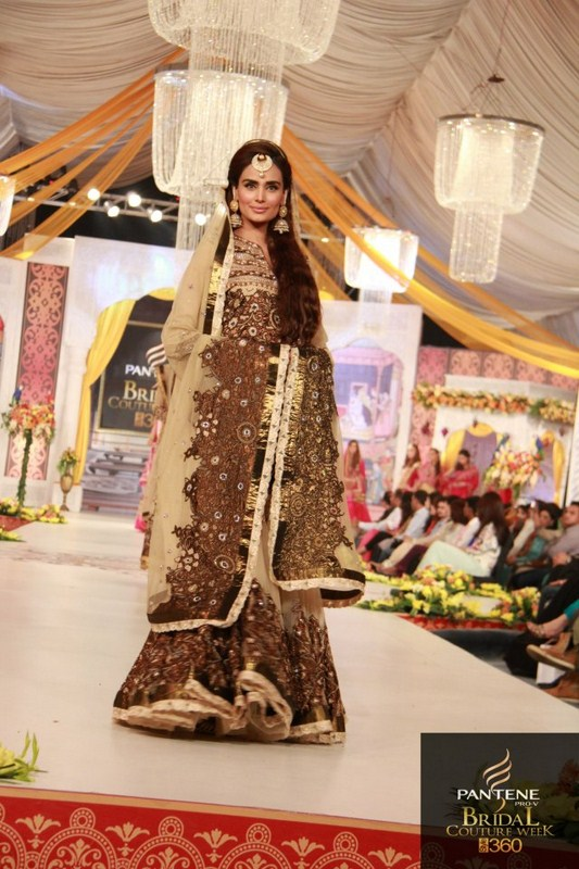 Charu Parashar Bridal fashion Dress3