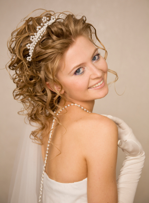 Curly Wedding Hairstyle For Bridal