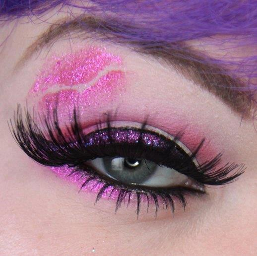 Glitter Kiss Eye Makeup
