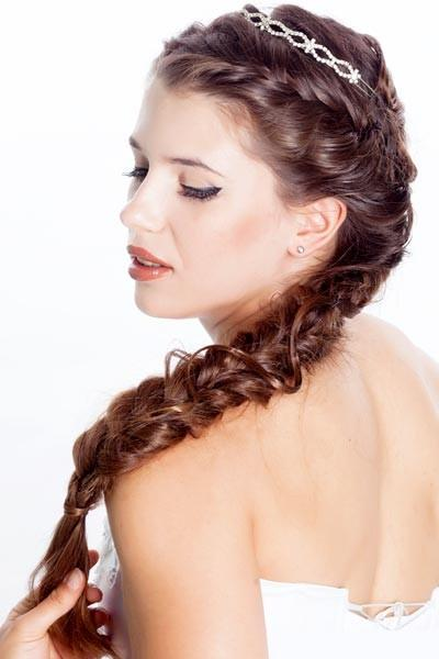 Latest Bridal Hairstyle With Long Hairs