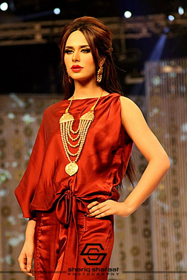 Maliha's Jewellery Collection at Bridal Couture Week 2013 (7)