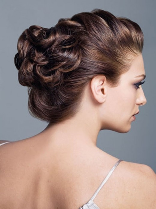 Wedding Updo Hairstyle For Bridal