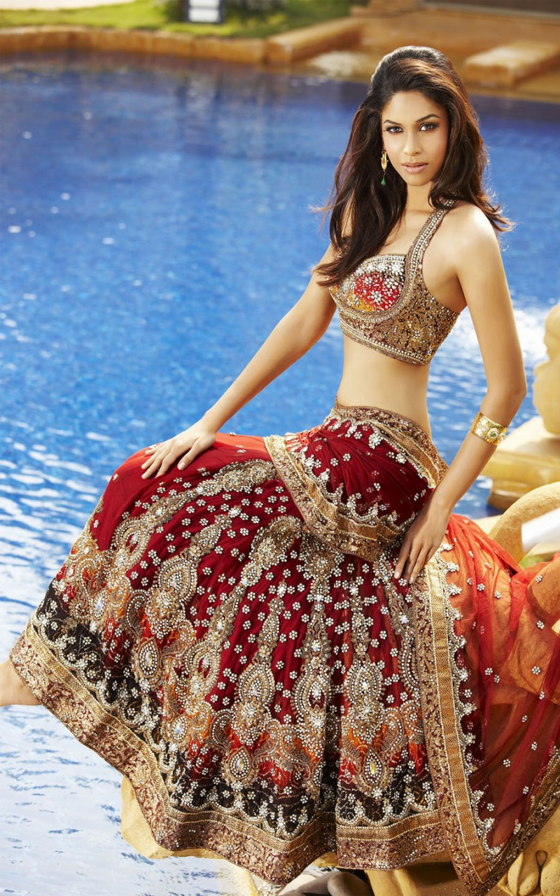 Zardosi Work bridal Lehenga Designs (6)