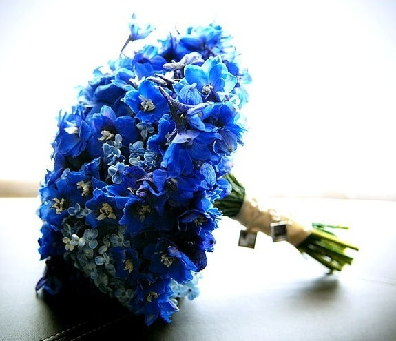 blue wedding flowers 1