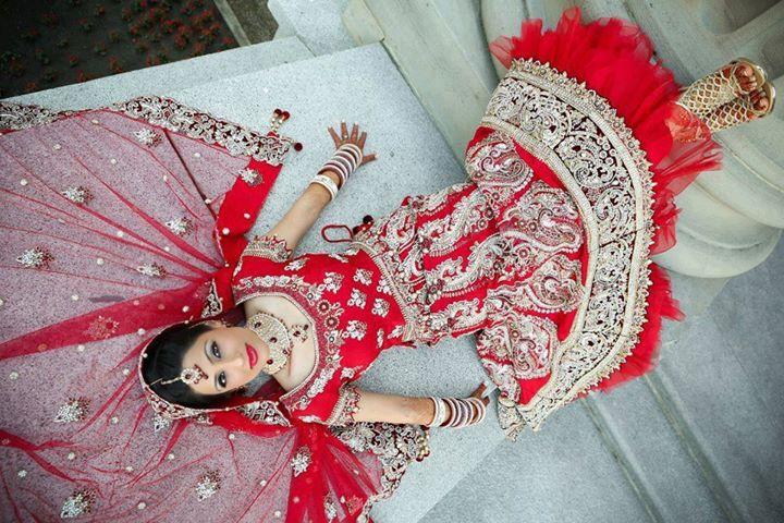 bridal in red lehenga (3)