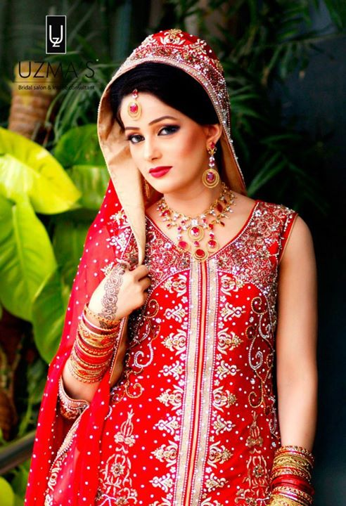 bridal in red lehenga (5)