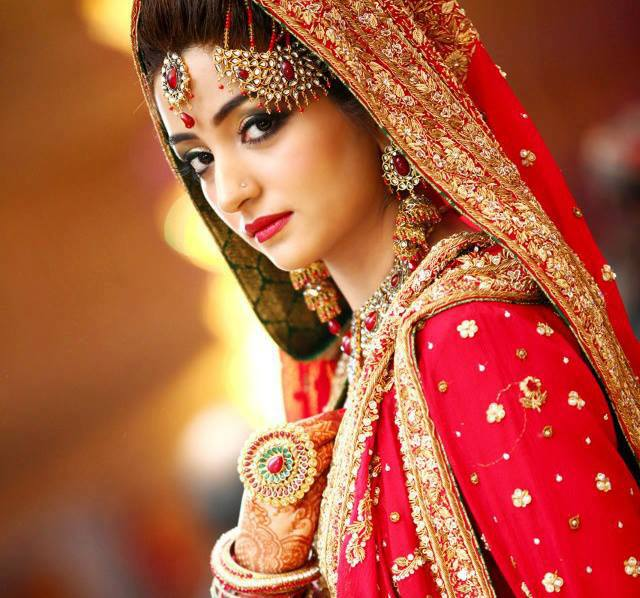 bridal in red lehenga (8)