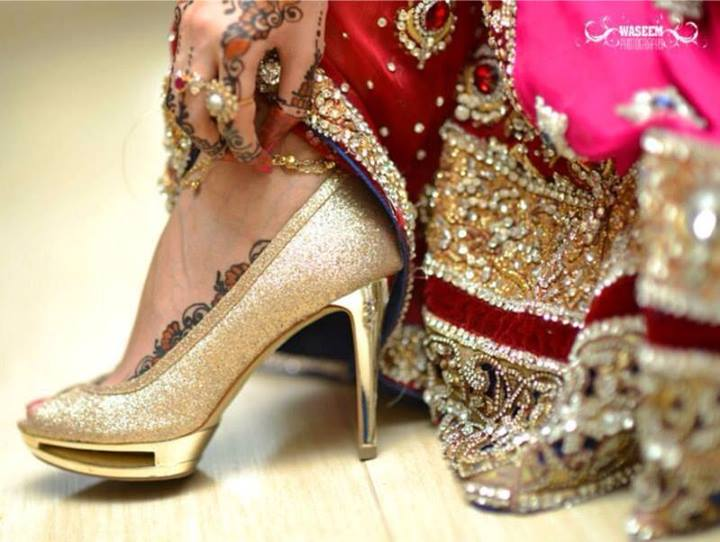 lehenga matching heel shoes (2)